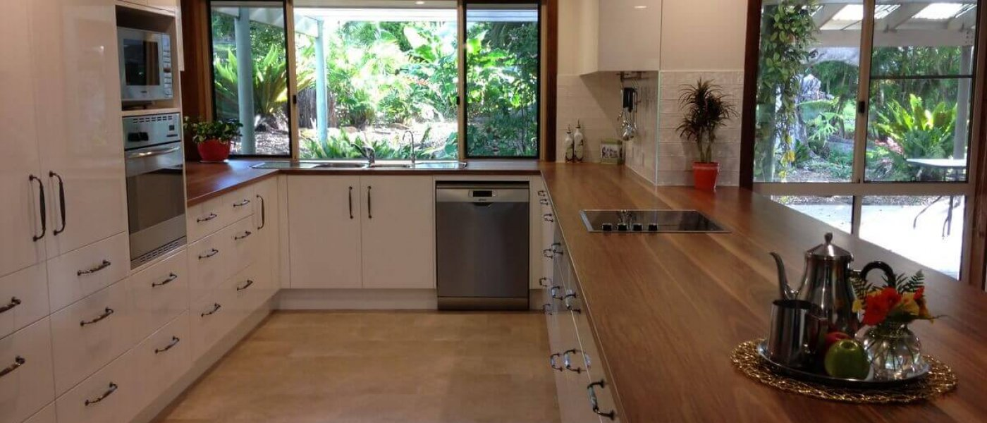 Custom_built_kitchen-Solid_timber_benchtop-001